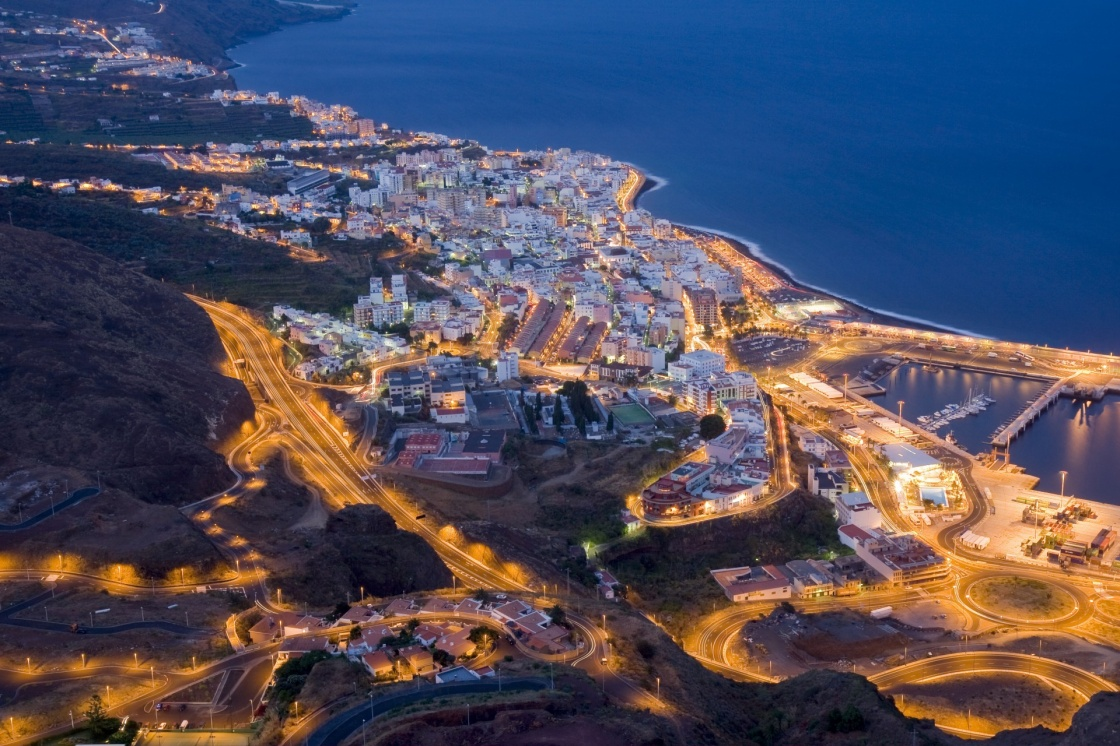 'Aerial night view of Santa Cruz, La Palma' - Îles Canaries