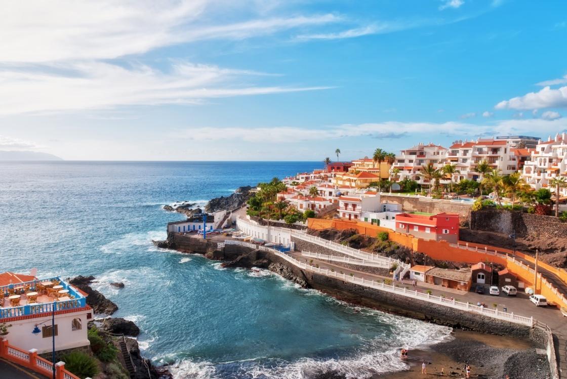 'Puerto Santiago, Tenerife, in the Spanish Canary Islands' - Îles Canaries